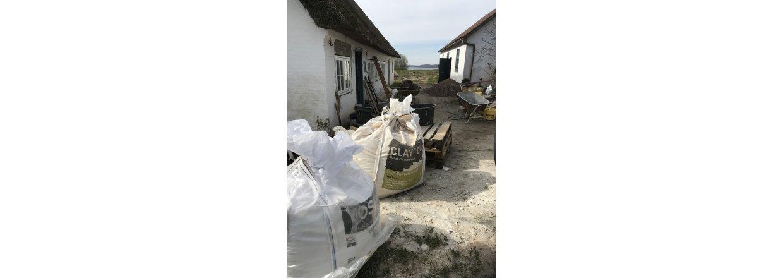 Bindingsværkshus på Als renoveres med træfiber og lerpuds
